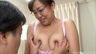 Experienced brunette Narita Ayumi wants to feel a fat cock in her cunt