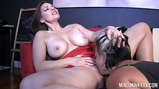 Ample breasted milf Mindi Mink is having sex fun with big bottomed GF