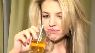 Drunk Annie and Kate – pee time