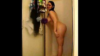Curvy MILF in Shower - negrofloripa
