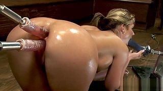 Big ass blonde anal and pussy fucking dildo machine
