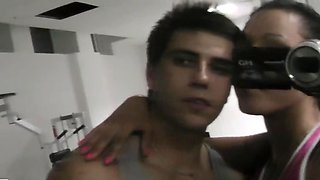 Tricky boy records on cam how GF blows him in locker room