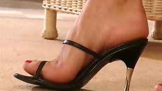 Blue eyed siren shows her high heels