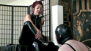 Dominatrix makes her slave obey her fetish wishes