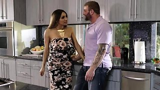 TS Jessy loves getting anal in the kitchen