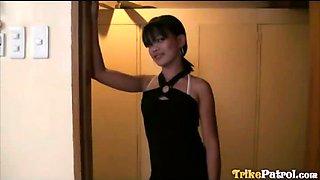 Filipina webcam slut meets foreigner for wild sex in hotel
