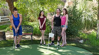 jessica and penelope won a prize in mini-golf