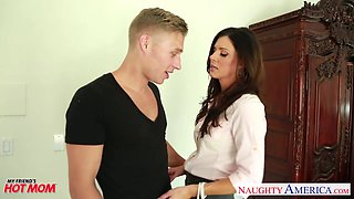 Friend's hot stepmom India Summer just wants to get fucked good
