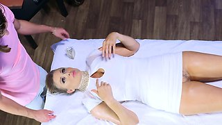 Brazzers - Julia Ann gets oiled up and ready
