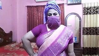 Desi aunty sex talk, Didi trains for sexy fucking