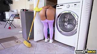 Hot cleaning lady with a nice ass fucks her employer for a wad of cash