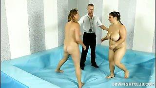 Hottest BBW girls wrestling