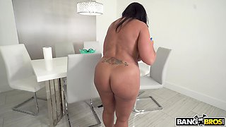 Curvy mature Kailani Kai drops her clothes to be fucked hard
