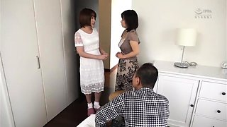 Sleeping Japanese babe has a guy devouring her juicy peach