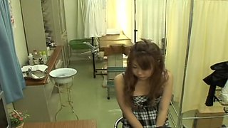 Asian schoolgirl and a big sex toy in medical fetish video