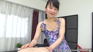 Tempting Asian mature babe gives kinky massage