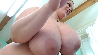 Thick BBW Large Natural Tits