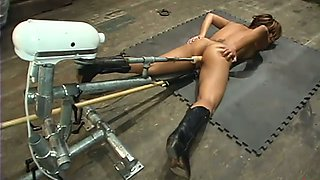 Jasmine Byrne screams wildly while getting fucked by a fucking machine
