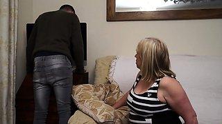 British mature BBW doing her toyboy